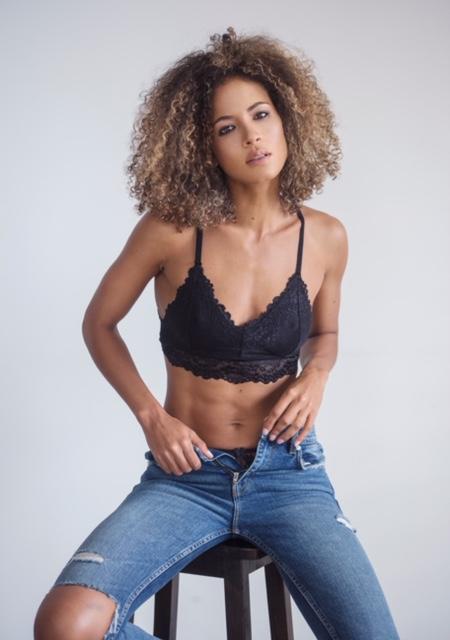 ANA PAULA MEDEIROS (51)