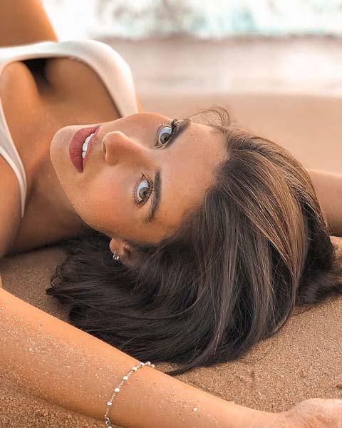 VICTORIA MACHADO (21)