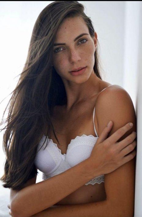 LAURI DALANHESE (25)
